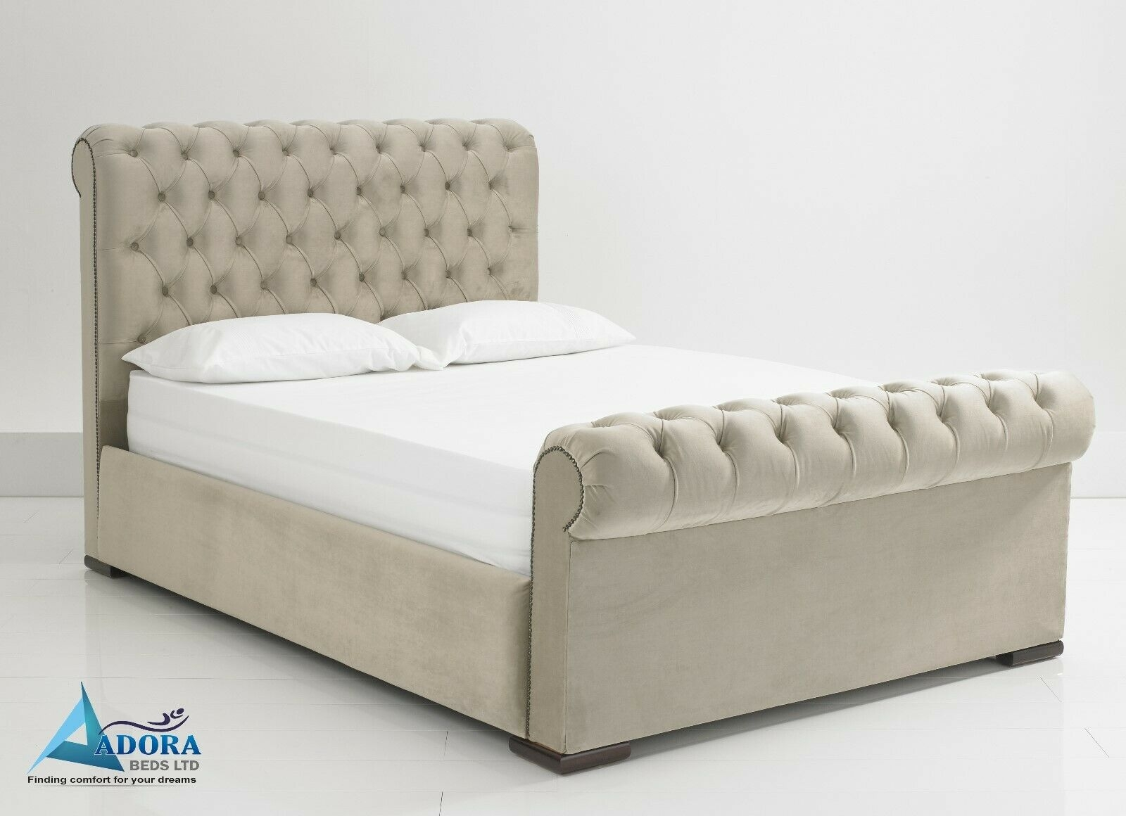 Mariana Chesterfield Bed